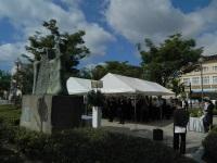 太平洋戦争民間犠牲者慰霊碑「人間之碑」への献花