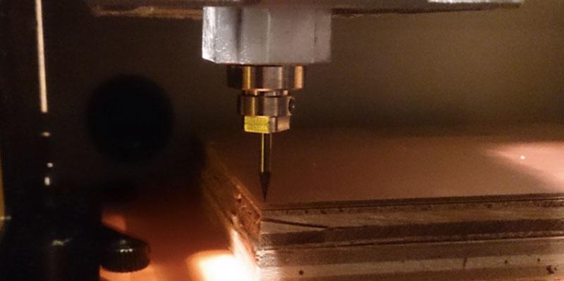 CNC ミリングマシン(写真)